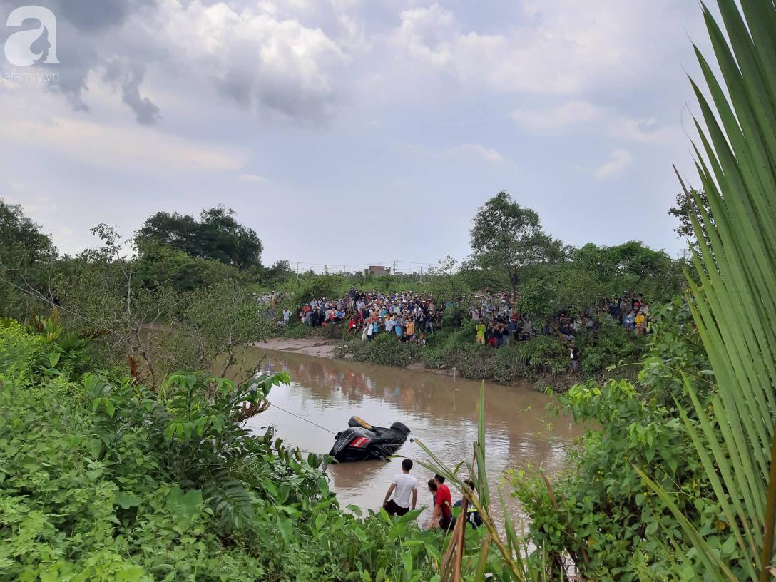 Quặn lòng đám tang 3 người chết trong xe Mercedes dưới kênh nước, người mẹ khóc ngất bên linh cữu các con-5