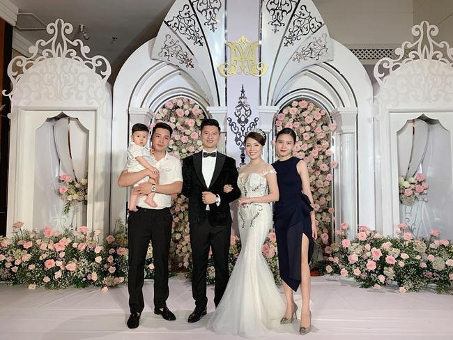 Lỡ duyên với cơ phó Hà Duy, Âu Hà My được chồng doanh nhân vác cả lâu đài siêu to khổng lồ vào hôn lễ, rước dâu cũng phải là bạch mã vài chục tỷ-6