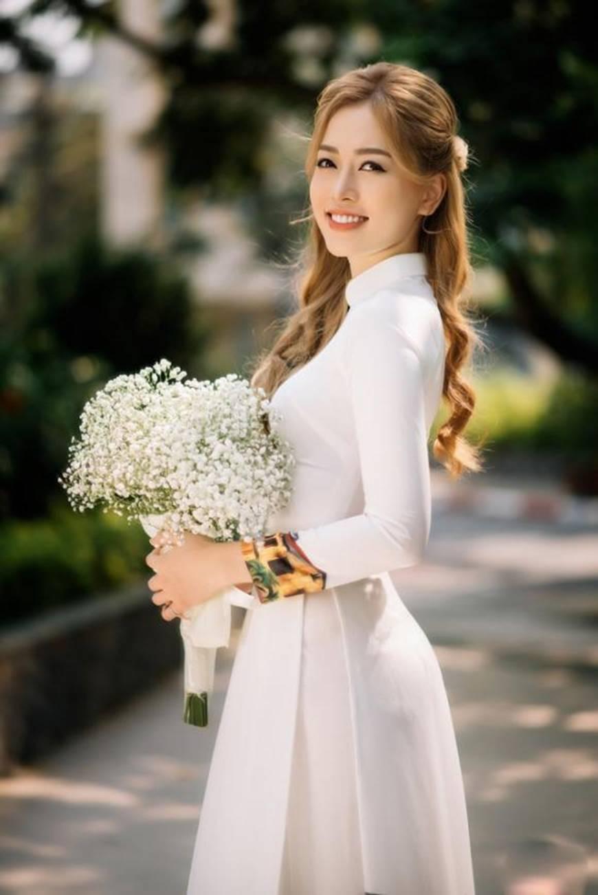 Á hậu Phương Nga đẹp lụi tim khi diện áo dài trắng chụp ảnh kỷ yếu-4