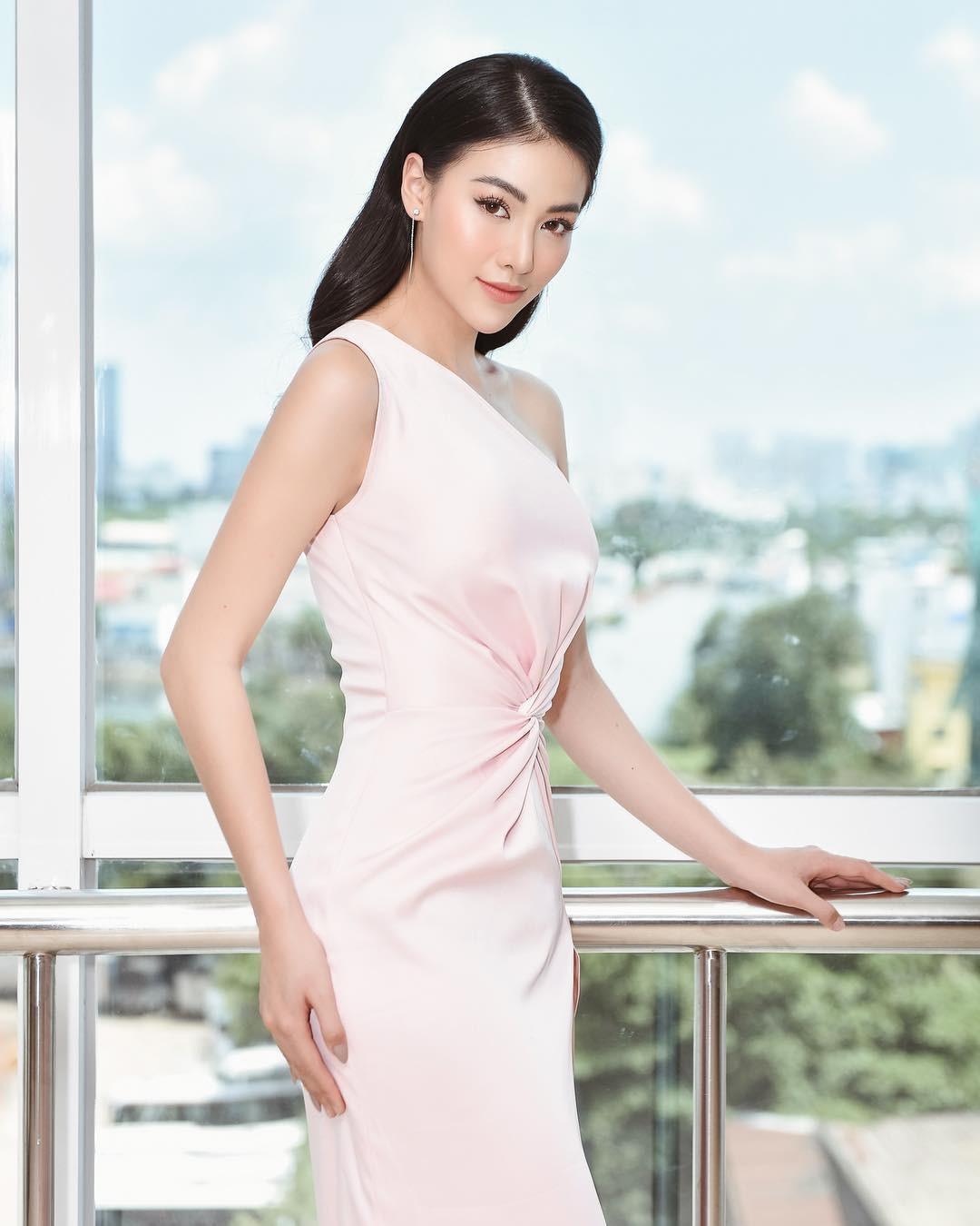 Cũng chịu khó mặc điệu như ai, nhưng HH Phương Khánh vẫn nhiều lần đánh tụt cảm xúc người nhìn vì lỗi diện đồ phổ biến-7