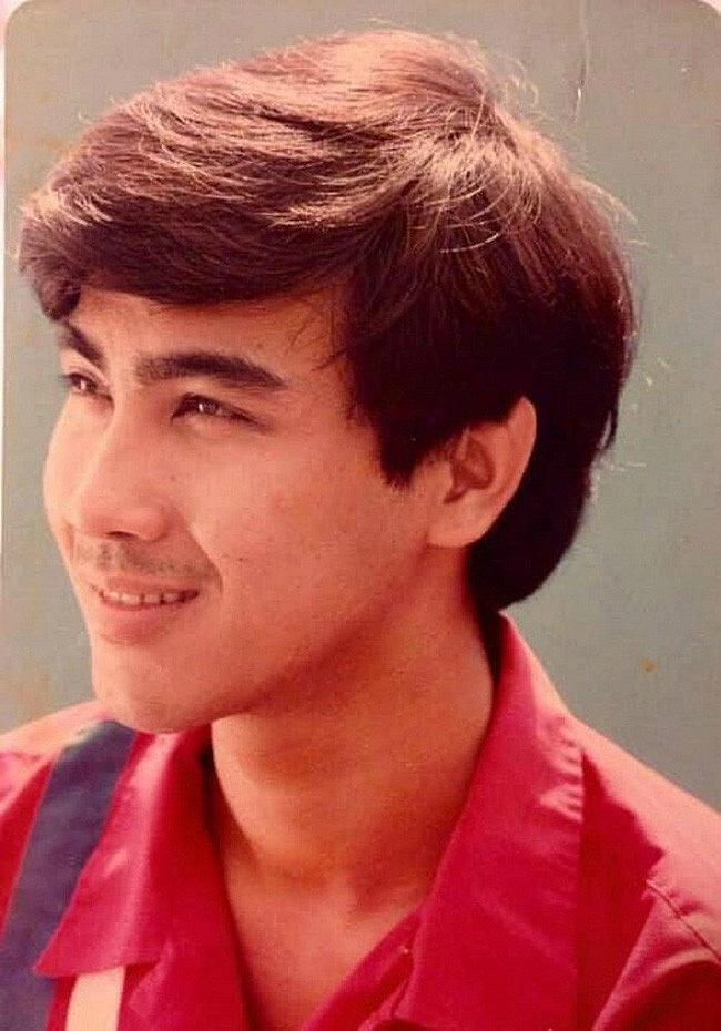 """Quyền Linh nhắc lại Ký ức vui vẻ"""" bên nhà báo Lại Văn Sâm, tiết lộ ảnh thời còn trai trẻ đẹp như diễn viên Hong Kong-8"""