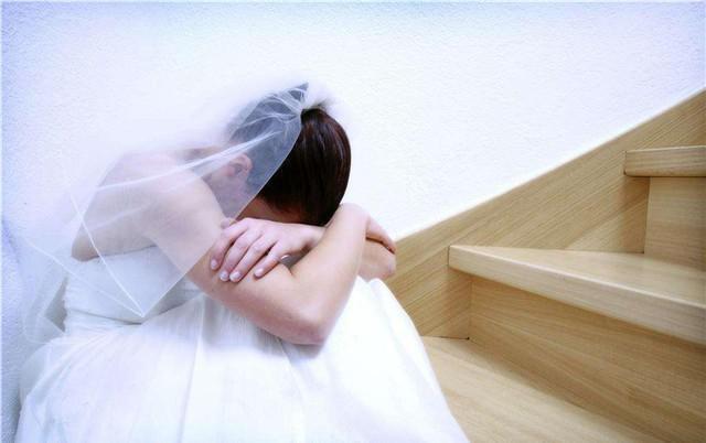 Cuộc hôn nhân yểu mệnh đến khó tin: Nâng vợ như nâng trứng, vừa đêm tân hôn vợ đã hiện nguyên hình chỉ qua một hành động-1