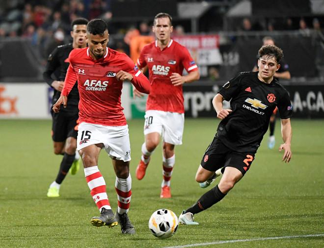 MU mất ngôi đầu bảng sau trận hòa AZ Alkmaar-1