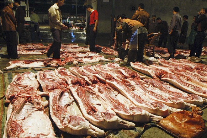 Thiếu thịt lợn, người tiêu dùng Trung Quốc bắt đầu ăn thịt giả-1