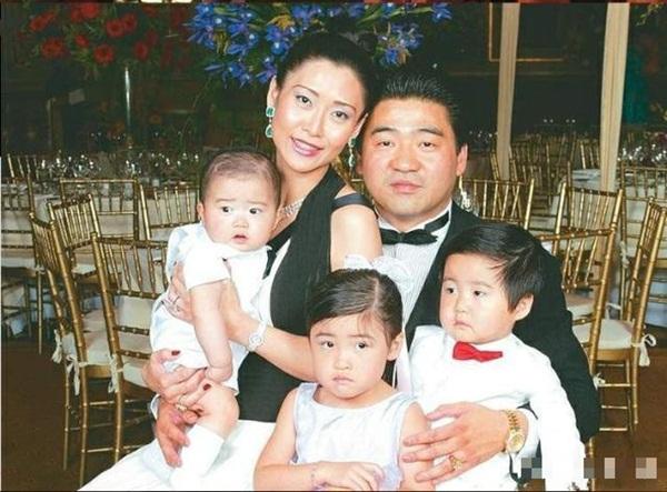 Bị đàn ông khinh rẻ vì mác diễn viên phim 18+, ai ngờ người đẹp Hong Kong cưới hẳn tỷ phú để dằn mặt thiên hạ và chồng còn hết lời ca ngợi vợ-4