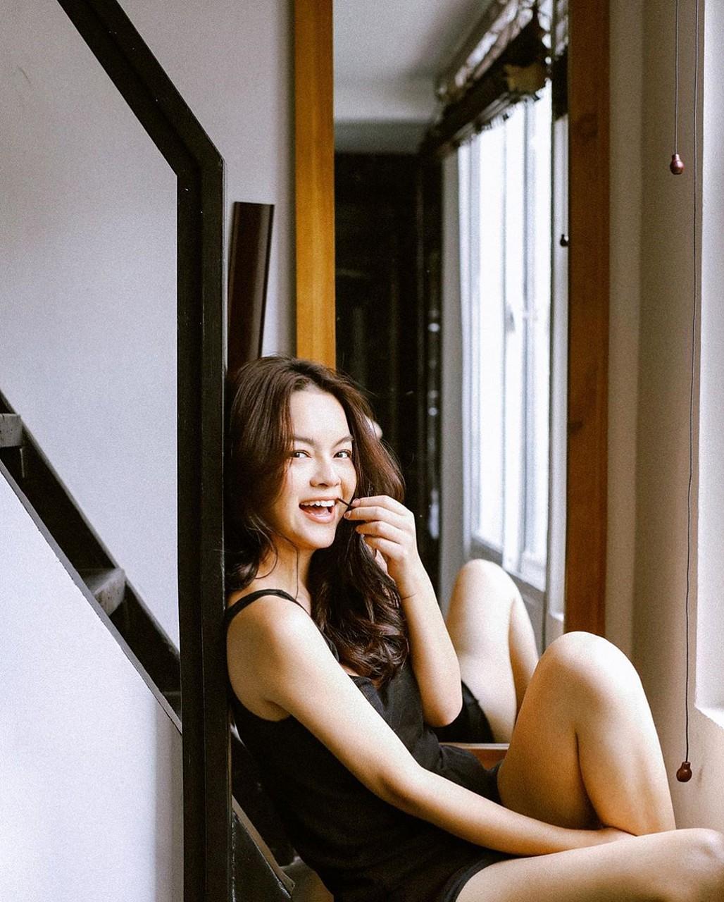 Phạm Quỳnh Anh lần hiếm hoi đăng ảnh mặc bikini-4