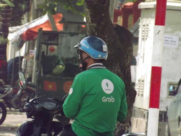Vụ tài xế Grab mất tích sau khi mượn xe máy bạn cùng phòng ở Hà Nội: Đã cắm xe, vào Sài Gòn trốn nợ-1