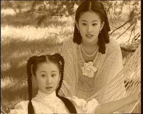 Không phải Triệu Vy, Lâm Tâm Như, Thần tiên tỷ tỷ Lưu Diệc Phi sống tình nghĩa nhất showbiz-8