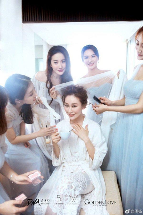 Không phải Triệu Vy, Lâm Tâm Như, Thần tiên tỷ tỷ Lưu Diệc Phi sống tình nghĩa nhất showbiz-15
