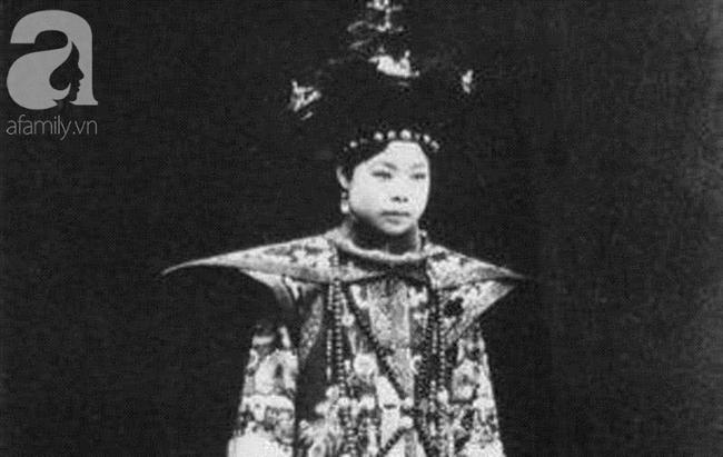 """Cuộc mặc cả chưa từng tiết lộ và cách bật"""" bài bản của cô vợ nổi tiếng lịch sử dám chủ động ly hôn rồi đòi tiền từ chồng Hoàng đế-1"""