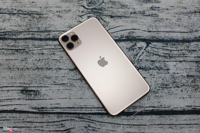 Bị chê thiếu đột phá, iPhone 11 vẫn bán chạy-2