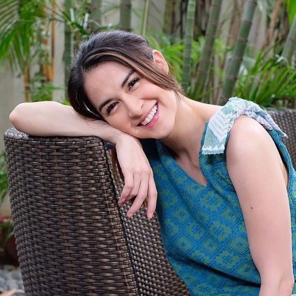 Vẫn giữ được nhan sắc đỉnh cao, nhưng mỹ nhân đẹp nhất Philippines lại liên tục bị chỉ lỗi mặc đồ khiến nhan sắc tụt hạng-4