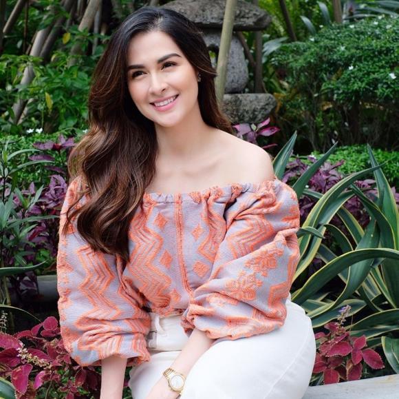 Vẫn giữ được nhan sắc đỉnh cao, nhưng mỹ nhân đẹp nhất Philippines lại liên tục bị chỉ lỗi mặc đồ khiến nhan sắc tụt hạng-9