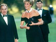 """""""Chiếc váy trả thù"""" của công nương Diana được đồn đoán chính là nguồn cảm hứng cho váy cưới tuyệt đẹp của Hailey Bieber"""