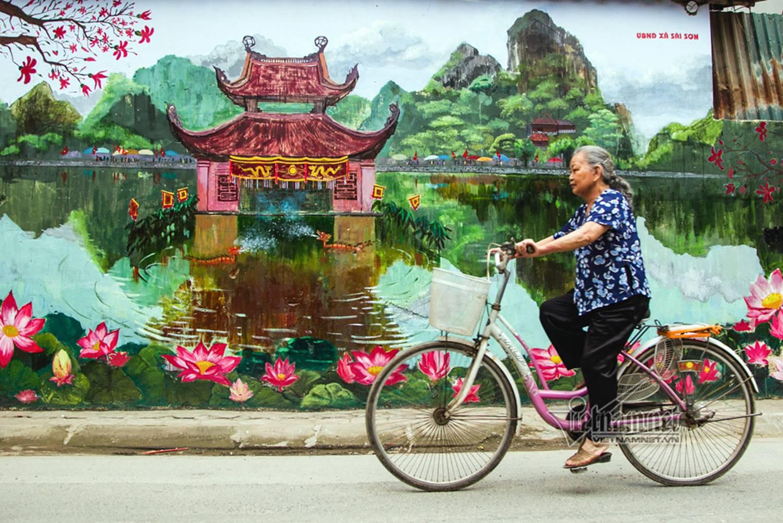 Hà Nội xưa đẹp lạ qua tranh bích họa trên phố-16