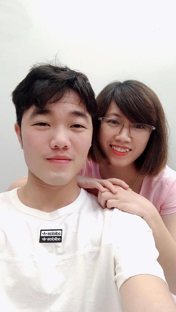 Xuân Trường tươi tắn, đón sinh nhật của mẹ cùng gia đình trước khi sang Hàn Quốc phẫu thuật-2