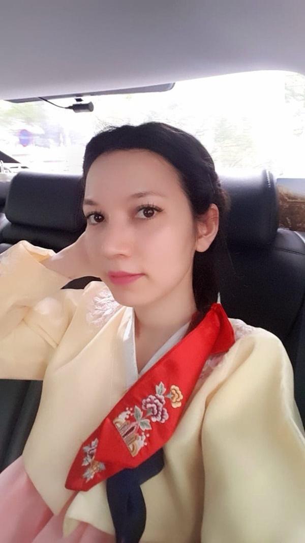 3 MC kết hôn lần 2: Vợ đều cách xa chục tuổi, đẹp không thua Hoa hậu - người mẫu-6