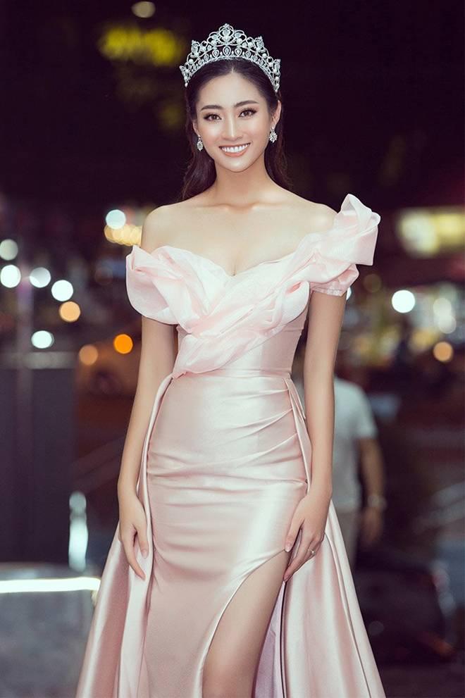 Hoa hậu Lương Thuỳ Linh khoe dáng nuột nà lần đầu làm giám khảo-7