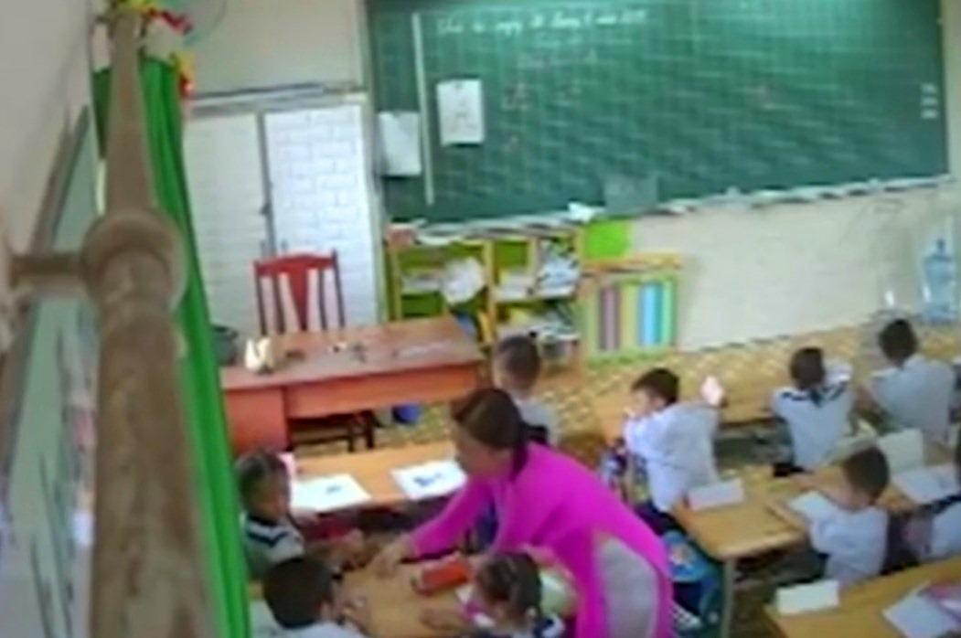 Đề nghị đuổi khỏi ngành giáo viên liên tục đánh mắng học sinh ở TP.HCM-1