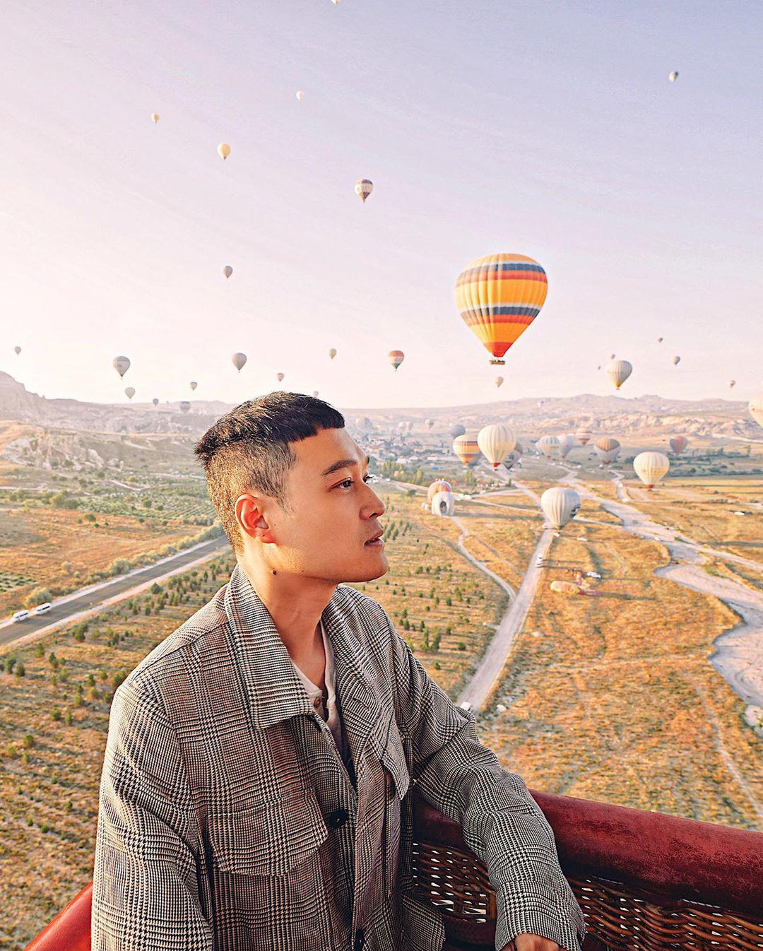 Quang Vinh bao năm bị đồn là thiếu gia Nguyễn Kim: Bỏ hào quang sân khấu để theo đuổi đam mê du lịch với những bức ảnh chất hơn nước cất-5