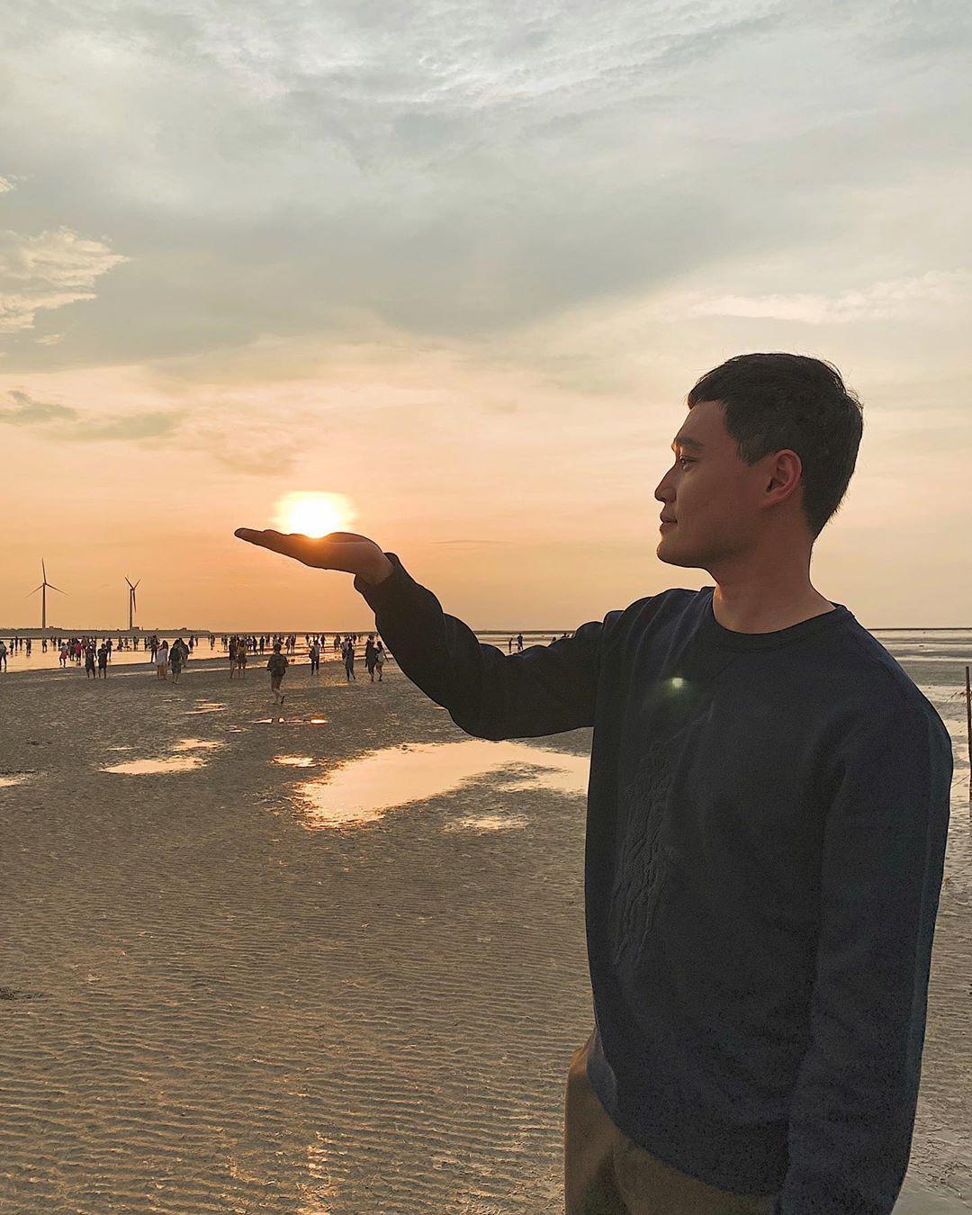 Quang Vinh bao năm bị đồn là thiếu gia Nguyễn Kim: Bỏ hào quang sân khấu để theo đuổi đam mê du lịch với những bức ảnh chất hơn nước cất-25