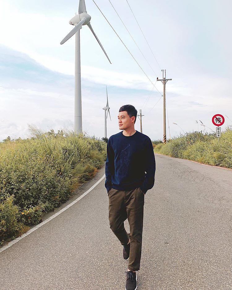 Quang Vinh bao năm bị đồn là thiếu gia Nguyễn Kim: Bỏ hào quang sân khấu để theo đuổi đam mê du lịch với những bức ảnh chất hơn nước cất-27