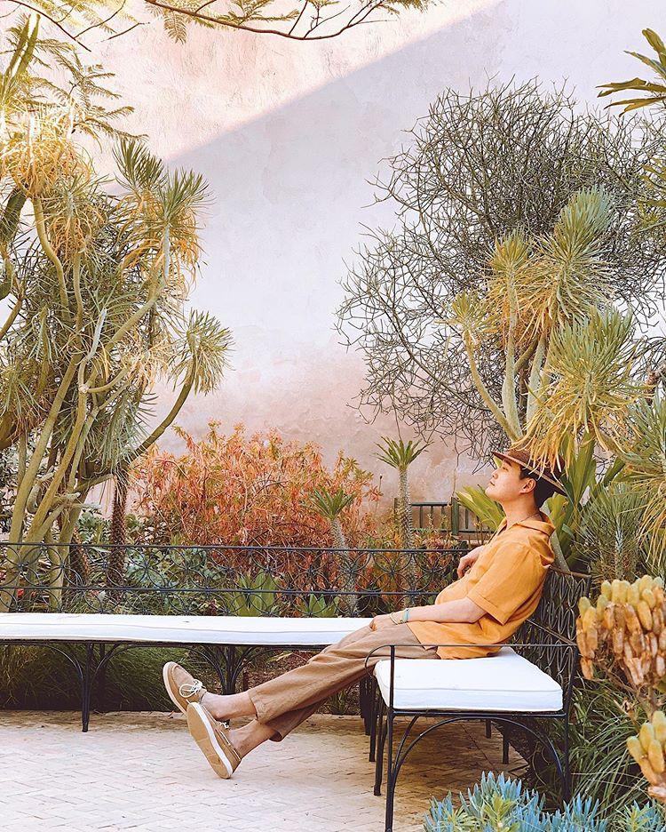 Quang Vinh bao năm bị đồn là thiếu gia Nguyễn Kim: Bỏ hào quang sân khấu để theo đuổi đam mê du lịch với những bức ảnh chất hơn nước cất-32