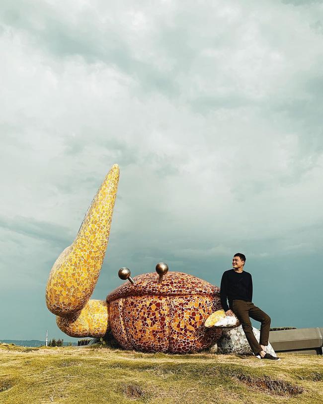 Chàng ca sĩ Quang Vinh bao năm bị đồn là thiếu gia Nguyễn Kim: Bỏ hào quang sân khấu để theo đuổi đam mê du lịch với những bức ảnh chất hơn nước cất-14