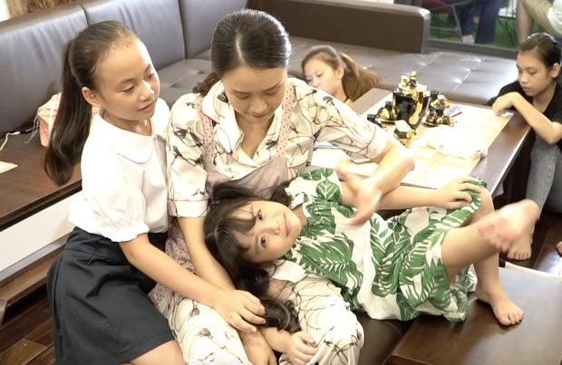 Hậu trường vui như hội của Hoa Hồng Trên Ngực Trái: Bạn thân hí hửng nhìn Khuê ẵm nửa tỷ, Thái buồn như mất sổ gạo!-13