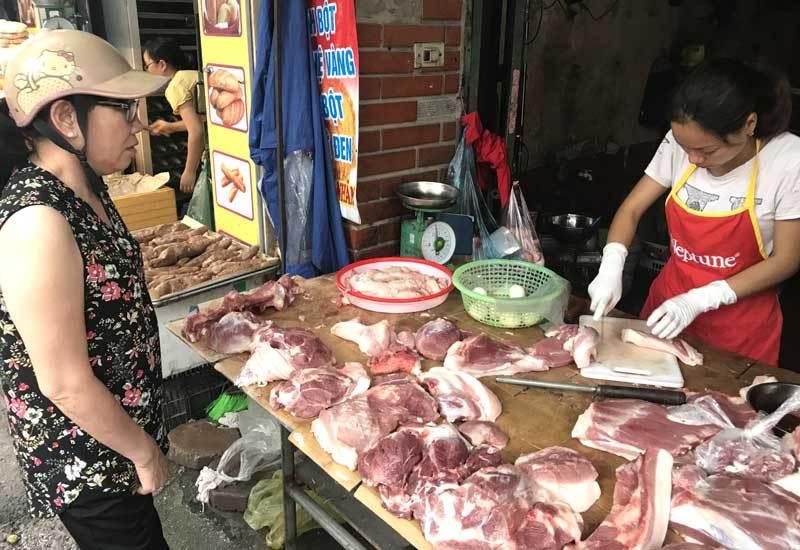 Lùng mua, vét cạn trong dân, thịt lợn tăng giá chưa từng có-2