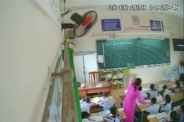Sau đoạn clip cô giáo liên tục bạt tai nhiều học sinh lớp 2 tại TP.HCM: Phụ huynh bức xúc, lo sợ con cái bị trầm cảm-2