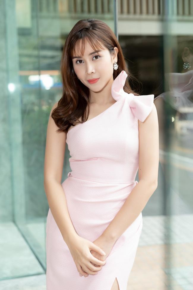 Lưu Hương Giang - Hồ Hoài Anh xuất hiện cùng nhau nhưng không đứng cạnh giữa bão tin đồn ly hôn-1