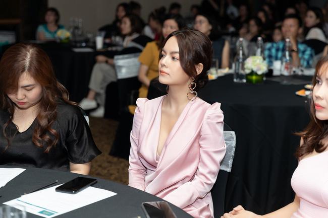 Lưu Hương Giang - Hồ Hoài Anh xuất hiện cùng nhau nhưng không đứng cạnh giữa bão tin đồn ly hôn-3