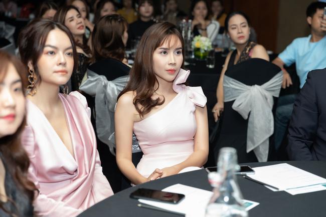 Lưu Hương Giang - Hồ Hoài Anh xuất hiện cùng nhau nhưng không đứng cạnh giữa bão tin đồn ly hôn-4