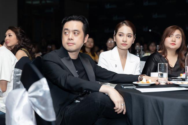 Lưu Hương Giang - Hồ Hoài Anh xuất hiện cùng nhau nhưng không đứng cạnh giữa bão tin đồn ly hôn-8