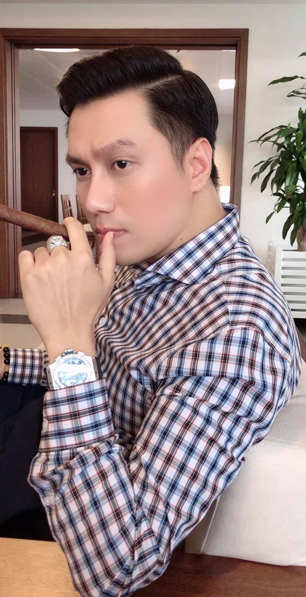 Tranh cãi nhan sắc Việt Anh trong ảnh tự đăng và được tag: Netizen đang mừng bỗng ngã ngửa vì nhan sắc thật!-2