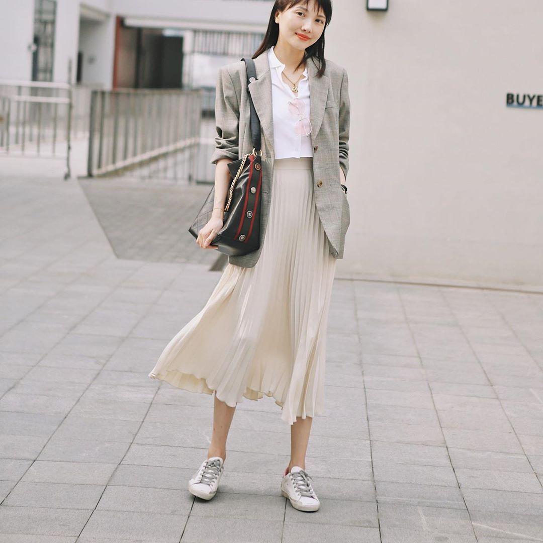 Khi bị đồng nghiệp chê mặc xấu: Nàng công sở đừng mặc kệ mà hãy cải tổ phong cách với 8 items sau đây-14