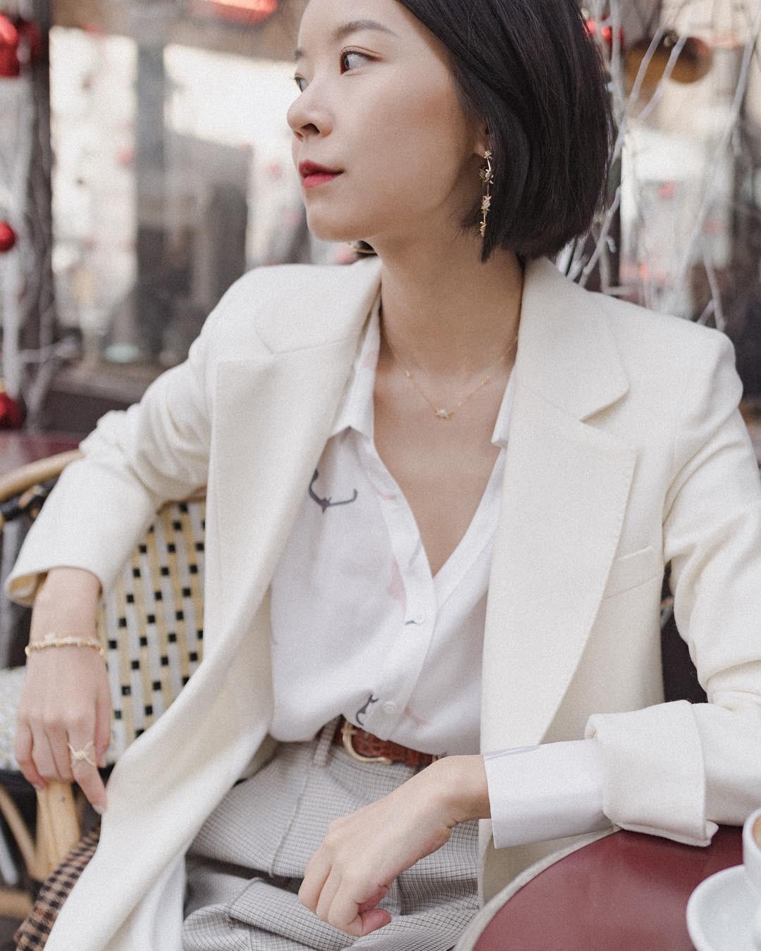 Khi bị đồng nghiệp chê mặc xấu: Nàng công sở đừng mặc kệ mà hãy cải tổ phong cách với 8 items sau đây-15