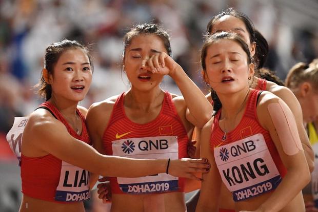 Đội tuyển điền kinh nữ Trung Quốc trình diễn thảm họa tại giải thế giới, tiếp tục trở thành trò cười vì pha chữa cháy có một không hai-1
