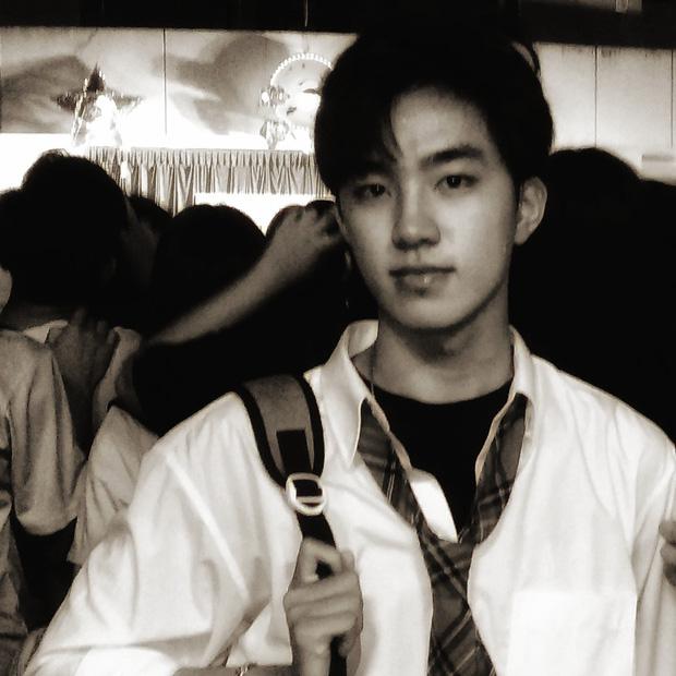 Nam sinh lớp 12 ở Bình Định được hội Ngắm trai đẹp khen hết lời, soi profile càng ngưỡng mộ vì là dân Chuyên Anh-3
