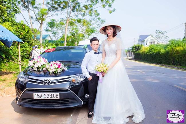 Đám cưới đặc biệt của cô dâu 1m94, chú rể 1m40, nhiếp ảnh gia tiết lộ sự thật đằng sau lời đồn cưới nhau vì gia cảnh giàu có-1