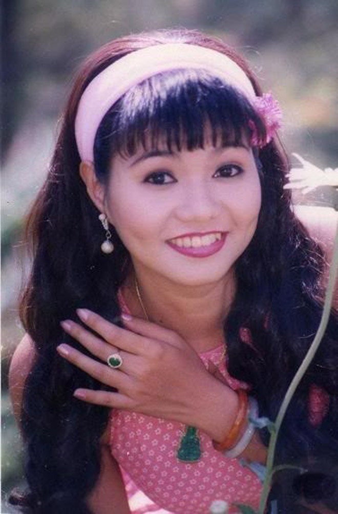 Chân dung nữ nghệ sĩ bị Kim Tử Long nói thẳng là không đẹp, bôi hết son phấn chỉ là cô gái bình thường-3