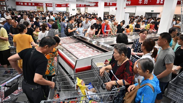 Lợn đột biến khổng lồ 700kg, giải cứu khủng hoảng Trung Quốc-2