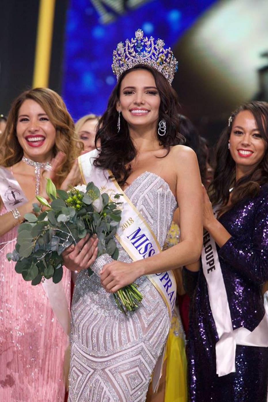 Top những hoa hậu học giỏi bậc nhất thế giới, Việt Nam cũng góp mặt 2 đại diện siêu đỉnh: Người thi ĐH 29.5 điểm, người là du học sinh-11