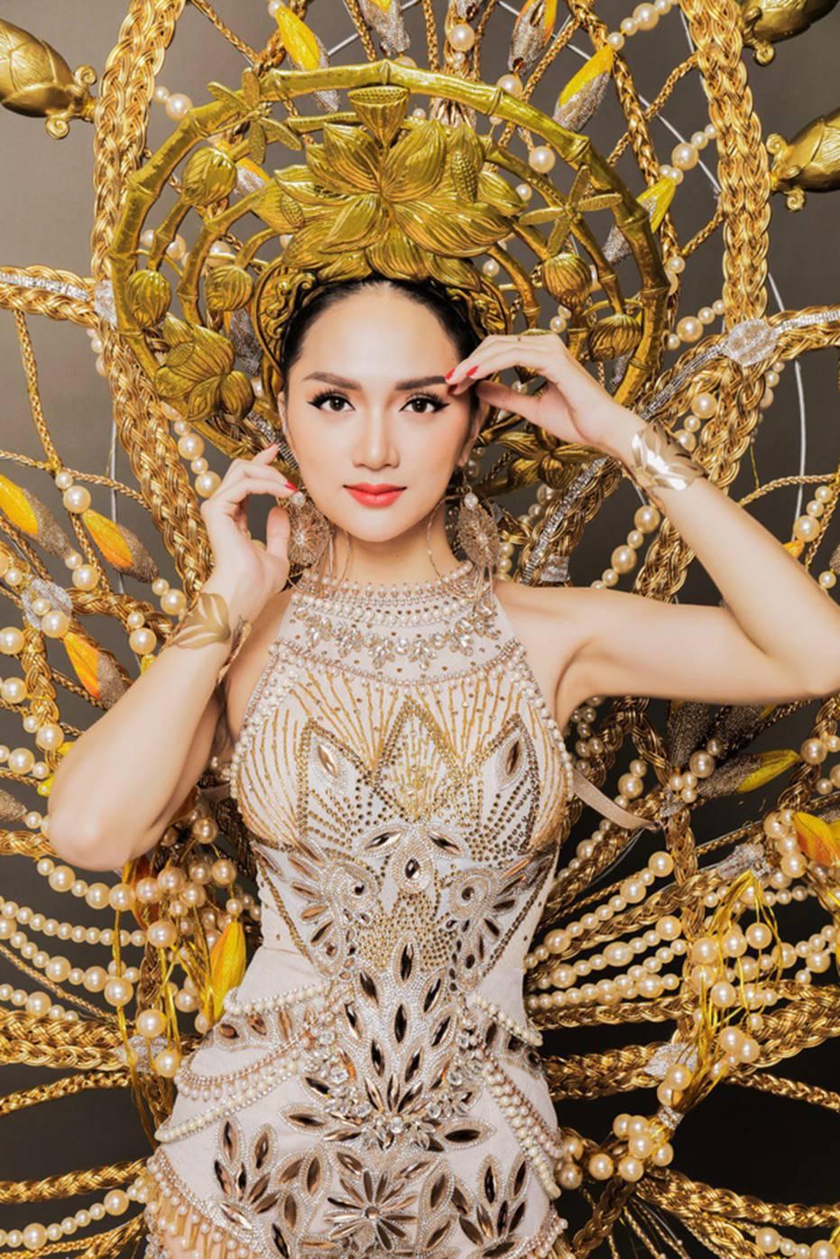 Top những hoa hậu học giỏi bậc nhất thế giới, Việt Nam cũng góp mặt 2 đại diện siêu đỉnh: Người thi ĐH 29.5 điểm, người là du học sinh-14