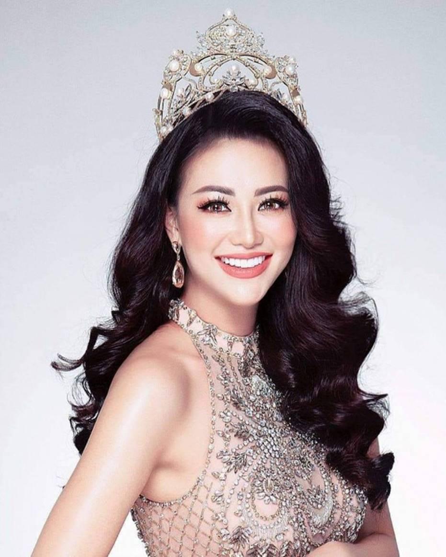 Top những hoa hậu học giỏi bậc nhất thế giới, Việt Nam cũng góp mặt 2 đại diện siêu đỉnh: Người thi ĐH 29.5 điểm, người là du học sinh-19