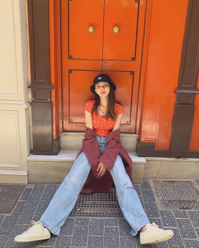 Học ngay 11 set đồ của Hoa hậu Hương Giang cách mix quần jeans từ đơn giản đến cá tính-1