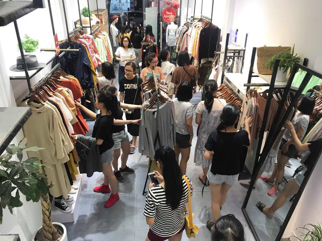 Sự thật về việc giảm giá lên đến 70% tại các cửa hàng thời trang-3