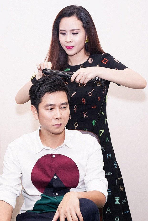 Hồ Hoài Anh lần đầu lộ diện cùng Lưu Hương Giang và con gái sau ồn ào ly hôn, đồ vật đặc biệt trên tay gây chú ý-4