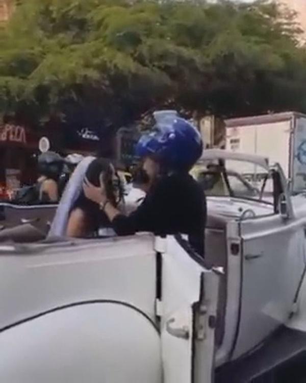 Đang trên đường tới đám cưới, cô dâu bị người yêu cũ chặn xe cưỡng hôn, khuyên dừng cưới-2